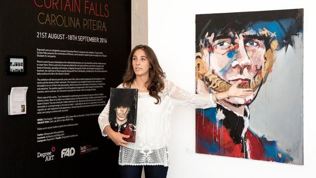 Carolina Piteira Exhibition Curtain Falls (14)